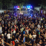 beer_garden_2012_crowd